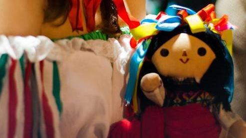 Η συγγραφέας Κωνσταντίνα Τασσοπούλου καταγράφει εντυπώσεις από τη Μεξικάνικη Γιορτή των Νεκρών. Τη Dia de los Muertos.